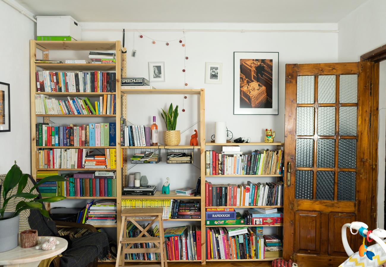 Solutia unui cuplu care lucreaza de acasa biblioteca