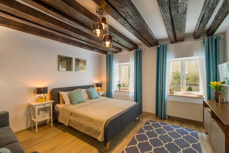 airbnb la munte uptown studio