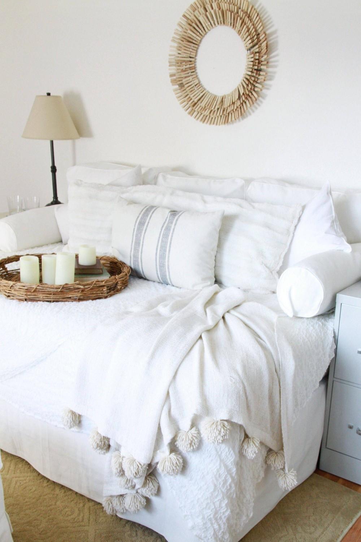 idei dormitoare mici canapea extensibila