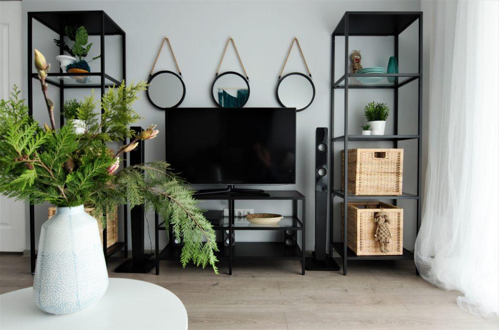 tur lovedeco Simona Ungurean apartament mobilier metal