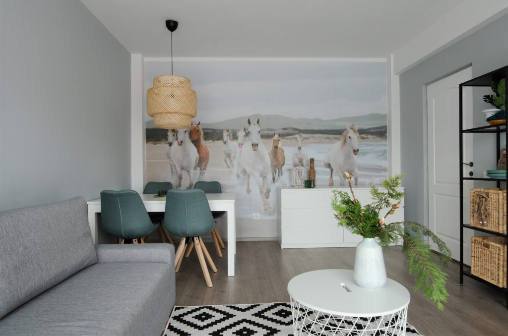 tur lovedeco Simona Ungurean apartament tapet living