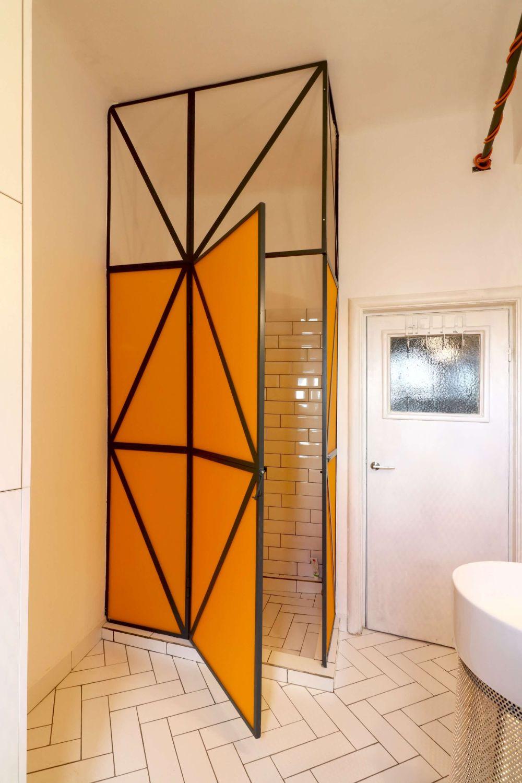 studio foto apartament cabina de dus portocalie