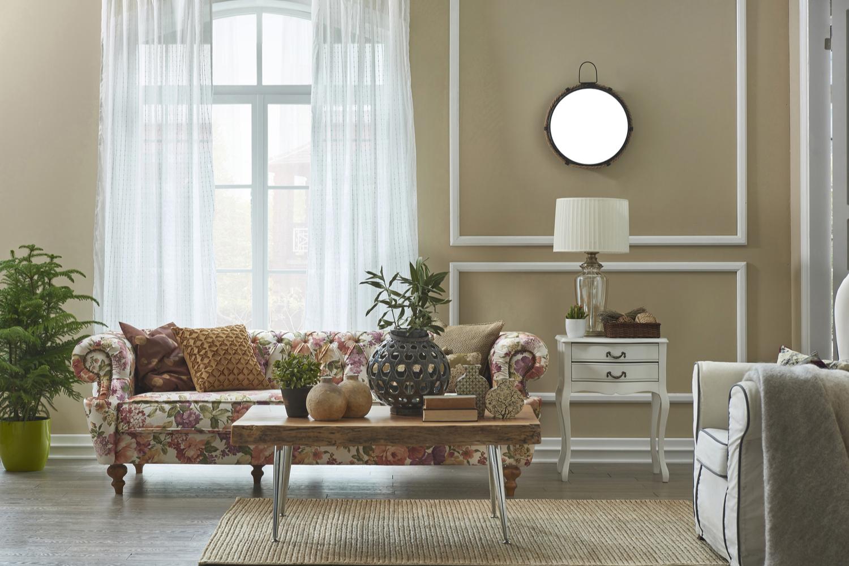 amenajare sufragerie clasică în culori neutre