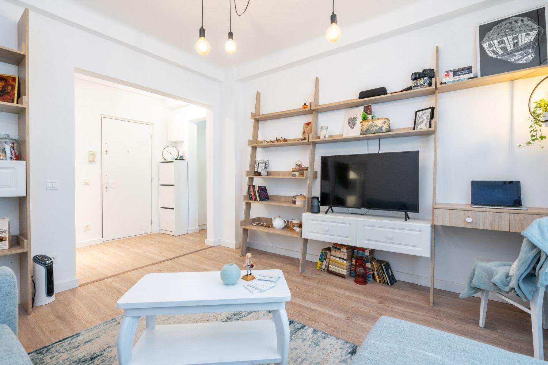 Amenajare living apartament două camere - arh. Cristiana Zgripcea