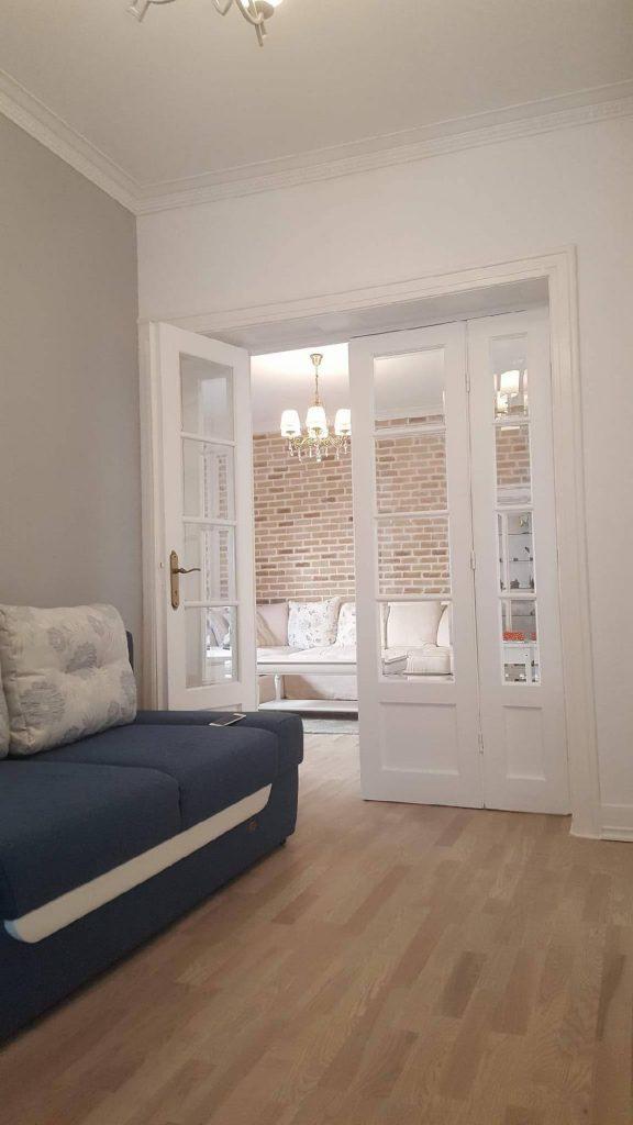 Recondiționarea ușilor din lemn_Azzuro Construct