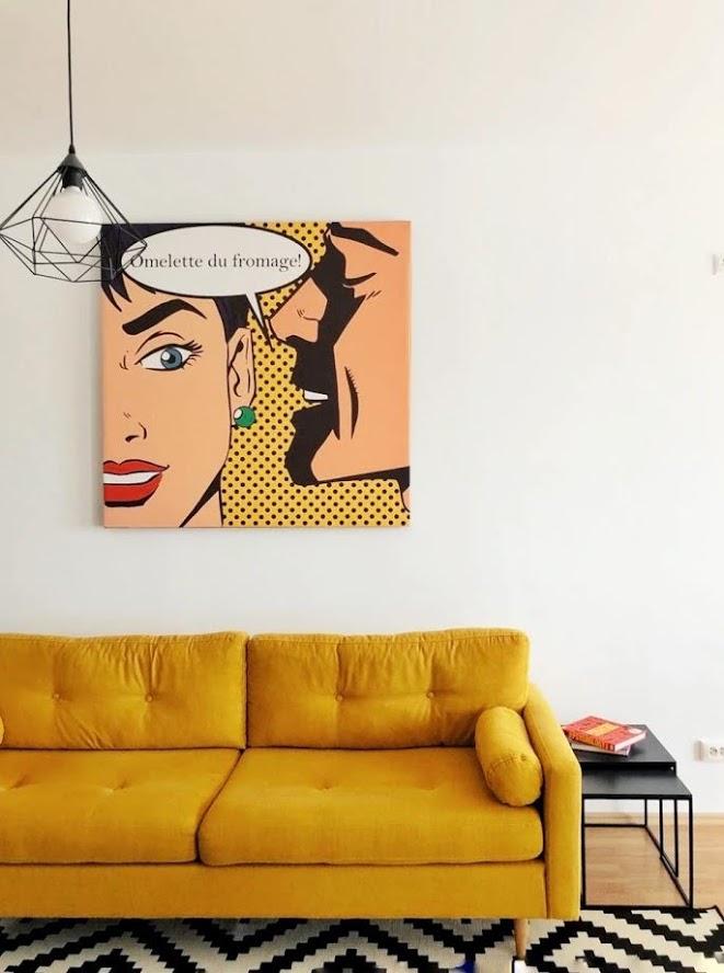 canapeaua galbenă