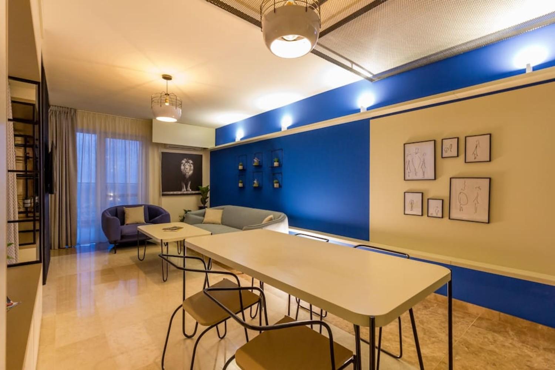 1 cover + 7 plintă paviment - dan andreșan - tangent table apartment