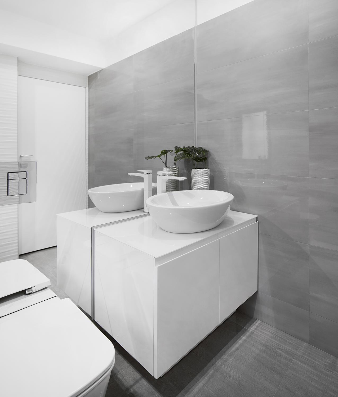 Amenajare baie gri si alb apartament Craiova Blanc Architecture