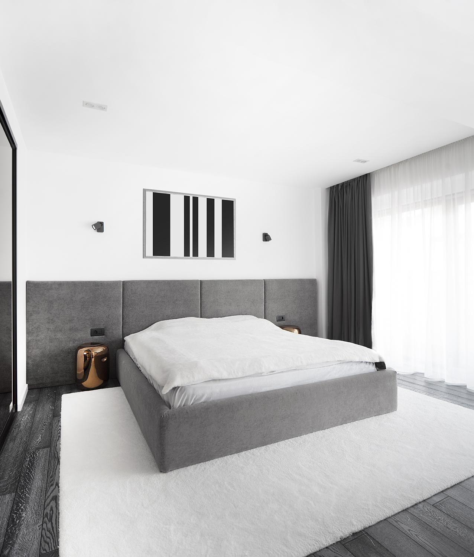 Amenajare dormitor alb negru si gri apartament Craiova Blanc Architecture