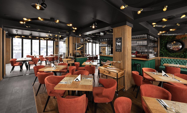 Scaune portocalii - Argentinian Steakhouse Ezzo Design Timisoara (1)