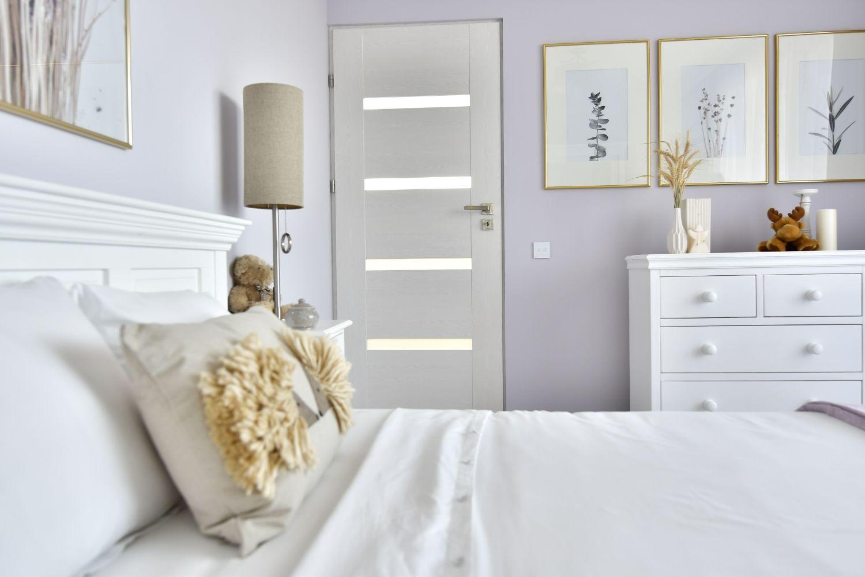 Dormitor cu mobilier alb clasic Simona Ungurean (1)