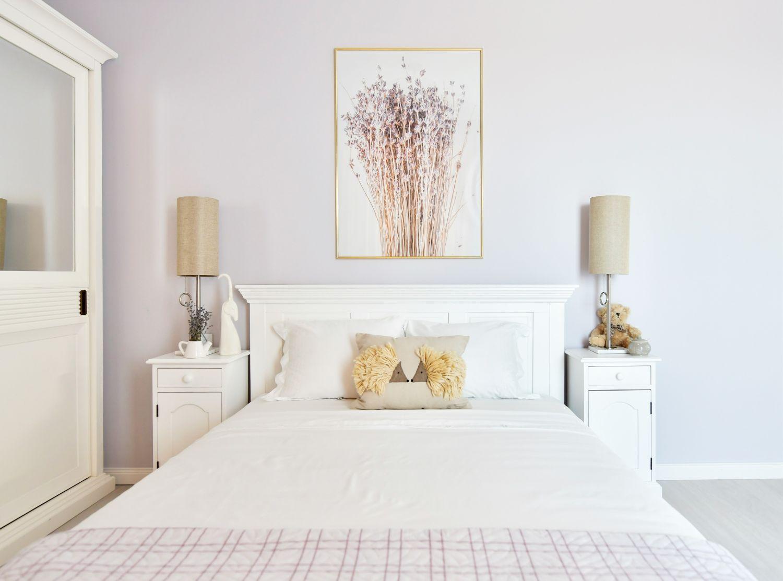 Dormitor cu mobilier alb clasic Simona Ungurean (3)