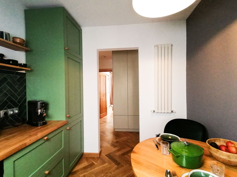 Mobilier de bucatarie verde - apartament Cluj Napoca