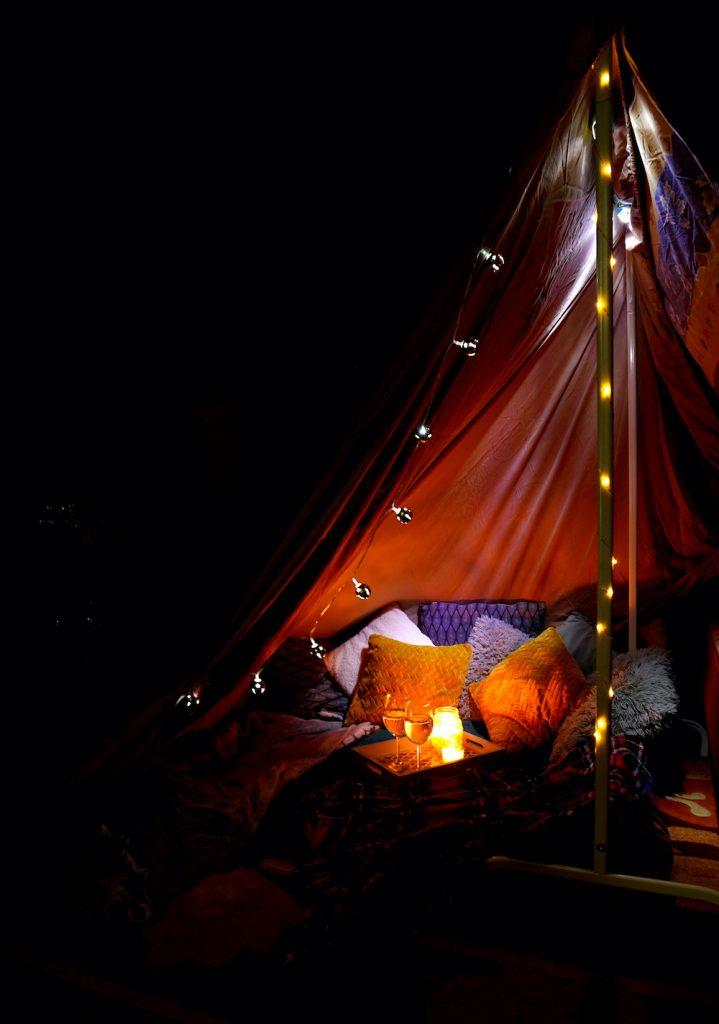 cort acasă