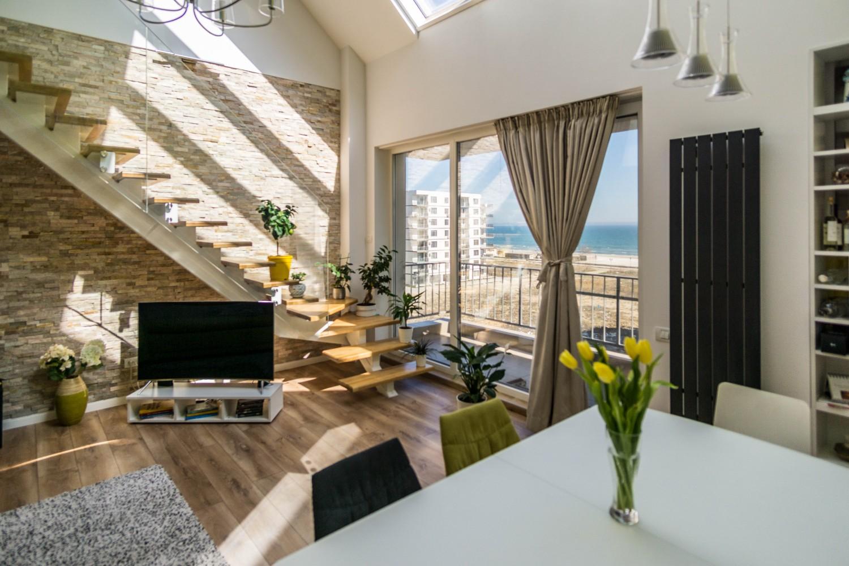 Dining penthouse maimaia duplex cu vedere spre mare - living open space