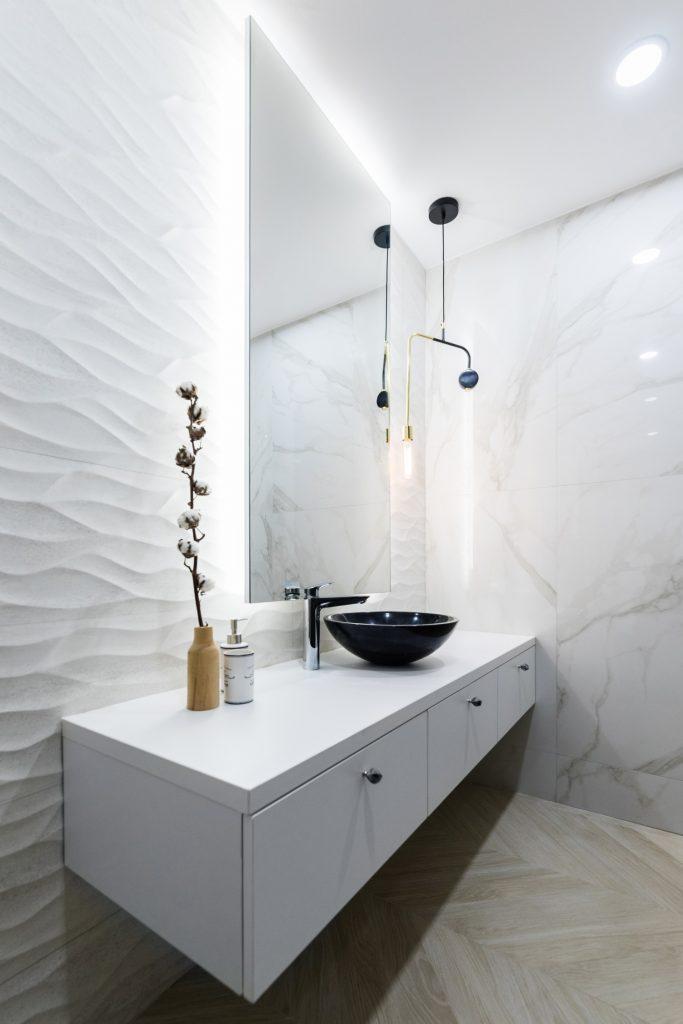 Amenajare baie moderna alba _Studio 2.1