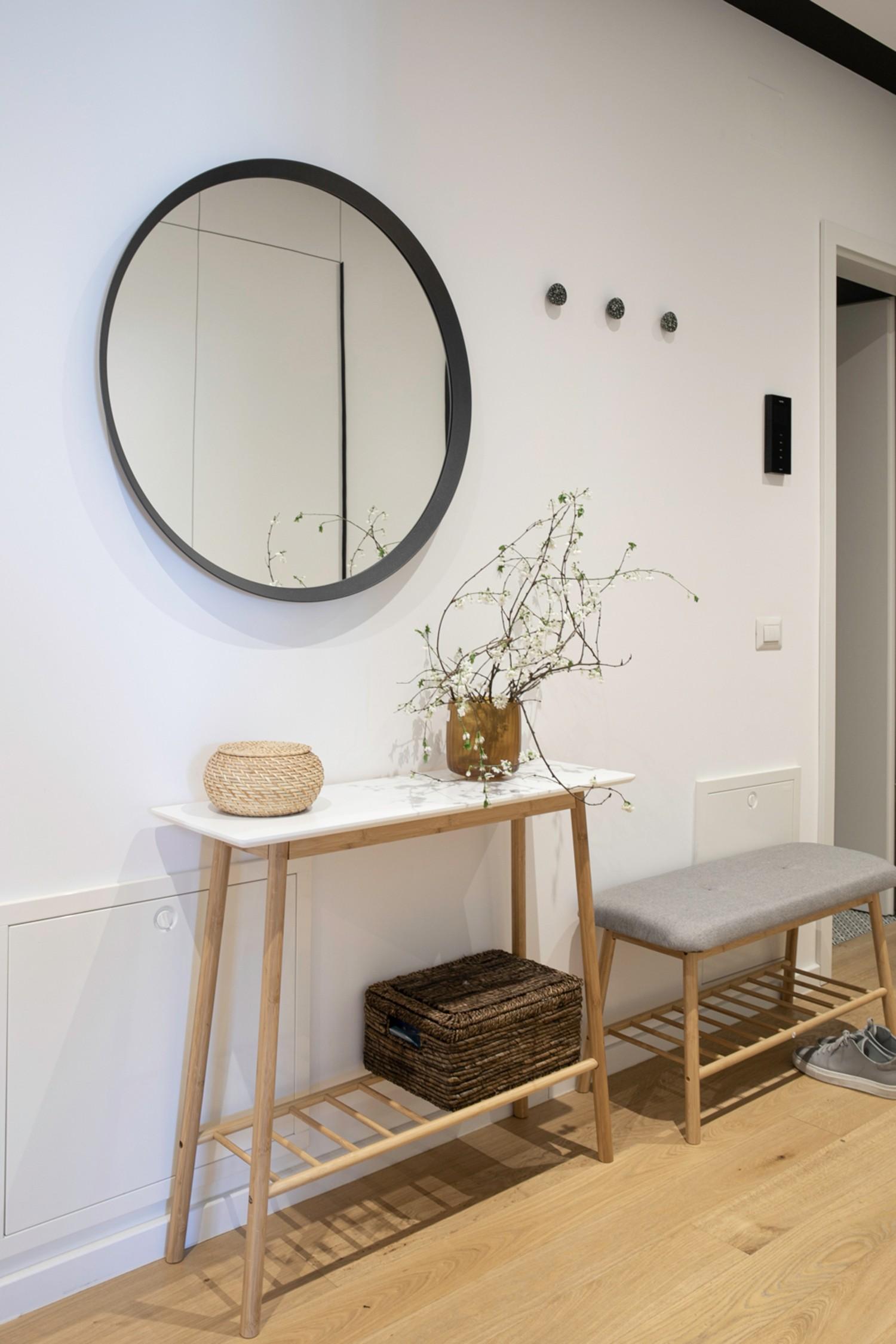 Amenajare hol minimalist scandinav- Yoka Design - Bucuresti