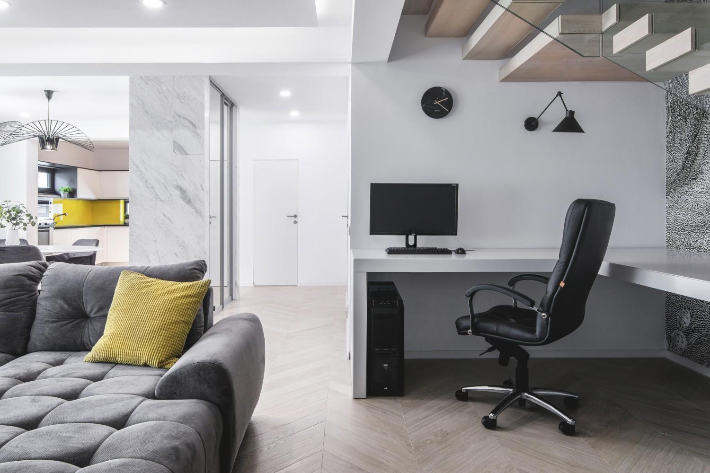 Amenajare open space duplex modern_birou sub scara_Studio2.1 Bucuresti