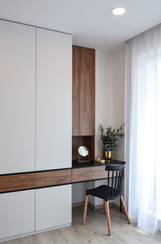 Masa de machiaj si dulap in dormitor - Kanso Design