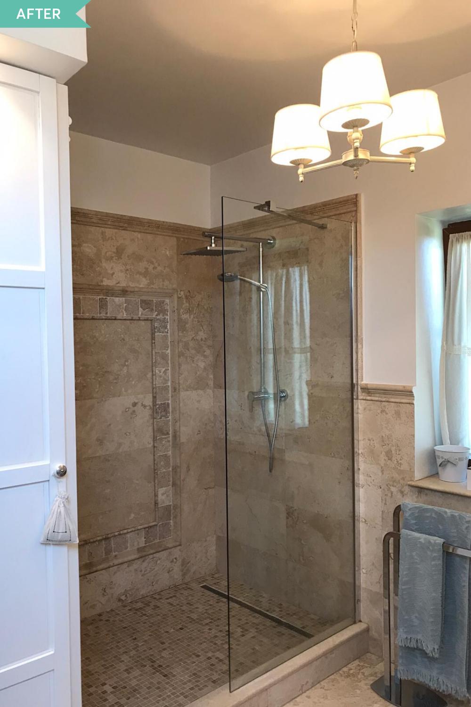 duș cu paravan de sticlă