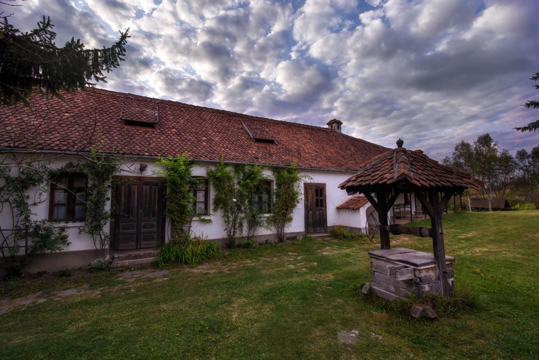 Casele de oaspeți ale Contelui Kálnoky din Micloșoara