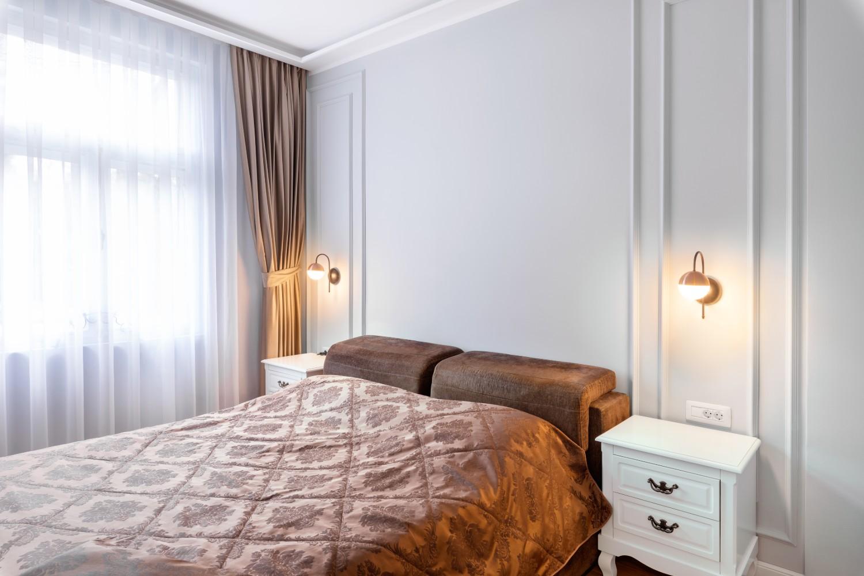 Dormitor apartament cu aer franțuzesc de lângă parcul Cișmigiu - arh. Cătălina Simion, Volucre (1)