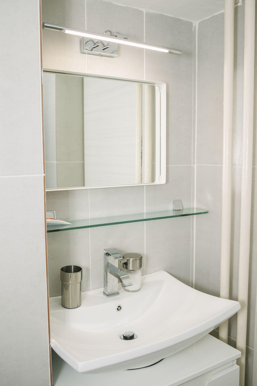 apartament de inchiriat baie