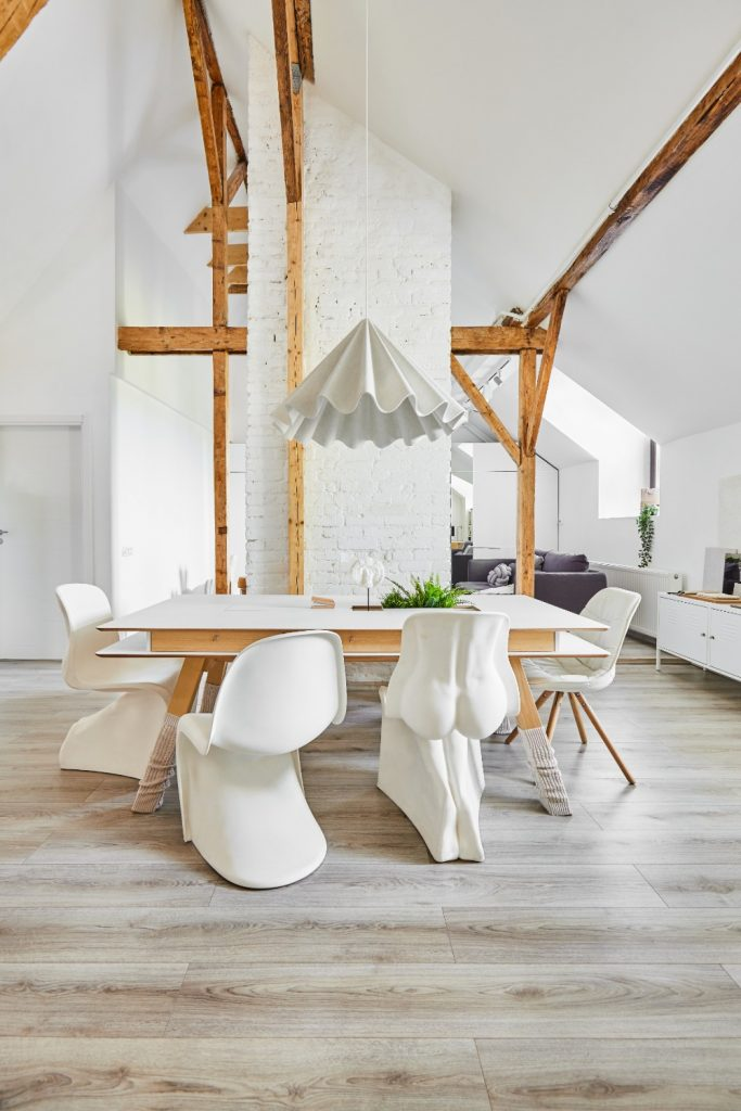 dining_amenajare_în_stil_scandinav_scaune_designeri