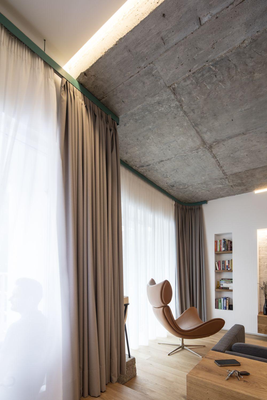 beton expus tavan