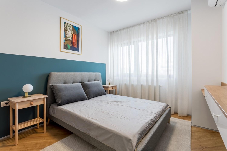 Amenajare dormitor apartament de inchiriat - albastru - Space Casuals