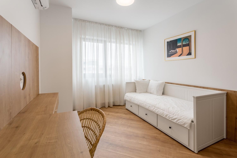 Amenajare apartament de inchiriat - birou cameră de oaspeți cu divan extensibil - Space Casuals (1)