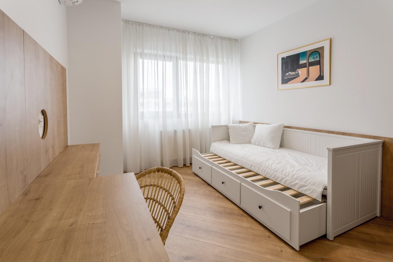 Amenajare apartament de inchiriat - birou cameră de oaspeți cu divan extensibil - Space Casuals
