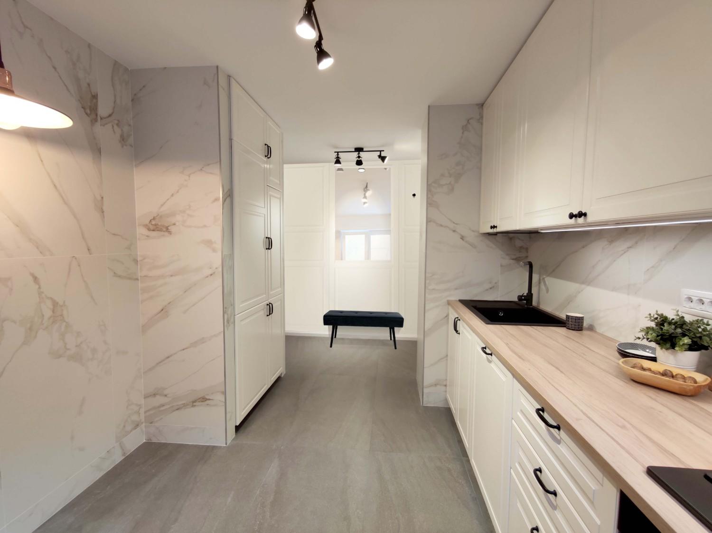 Amenajare apartamen cu marmura si lemn arhitect Oana Țapu (7)