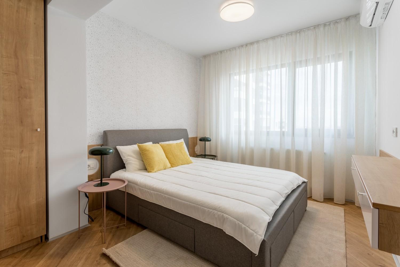 Amenajare dormitor apartament de inchiriat - gri - Space Casuals