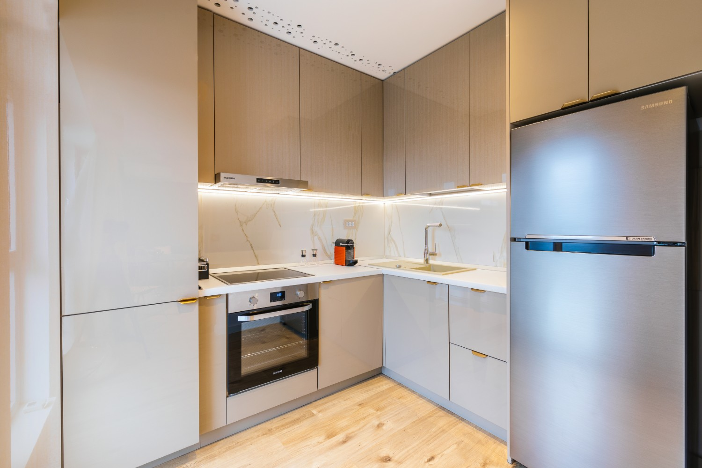 Amenajare bucătărie glam apartament elegant, Cătălina Simion Volucre (2)