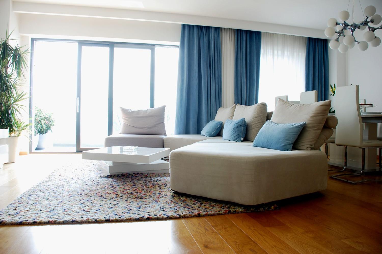Amenajare apartament Bucuresti canapea living - arhitect Oana Tapu