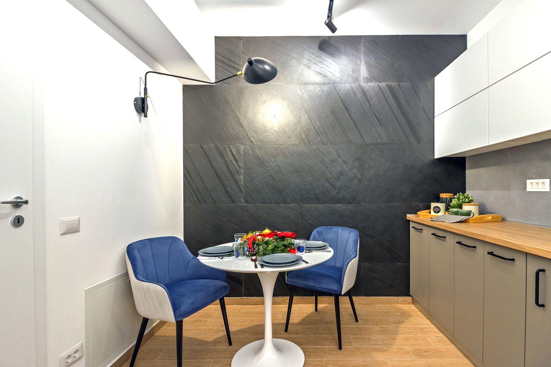bucatarie perete negru