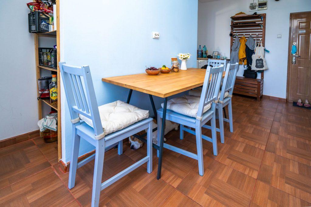 masă_bucătărie_minimalistă_home_tour_laura_teodora