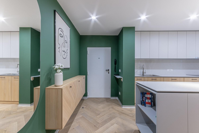 Amenajare hol cu perete verde - Craftr