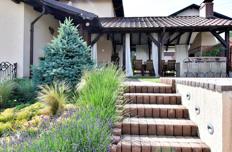 Amenajare terasa cu semineu casa Targu Mures - Simona Ungurean (3)