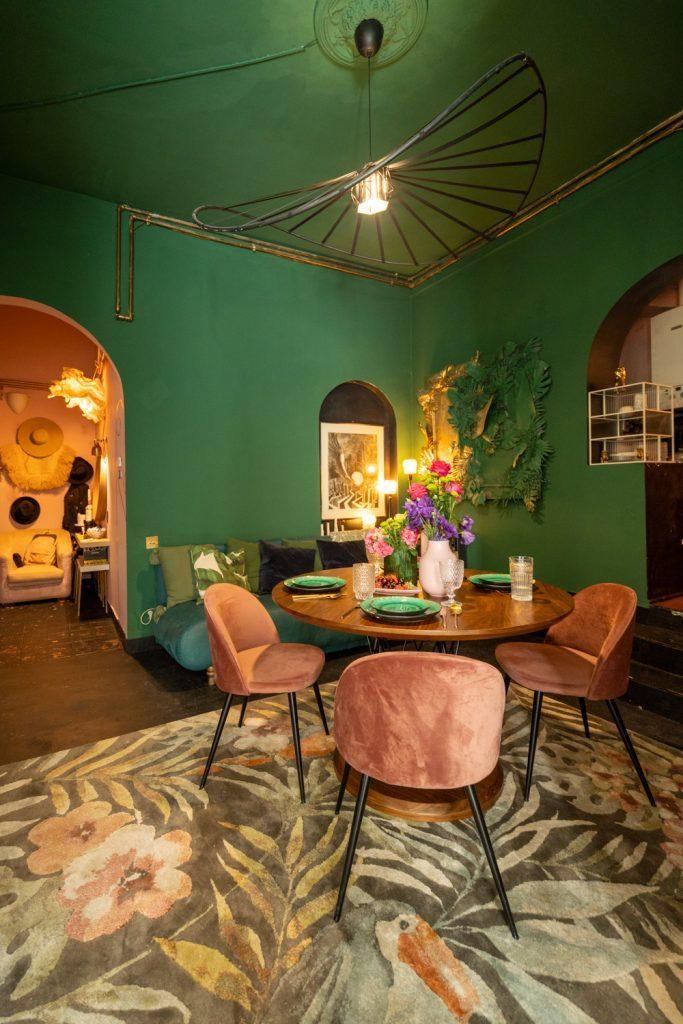 Apartament cu trei camere Calea Victoriei - acasă la arh. Larisa Rățoi - living verde masă rotundă (1)