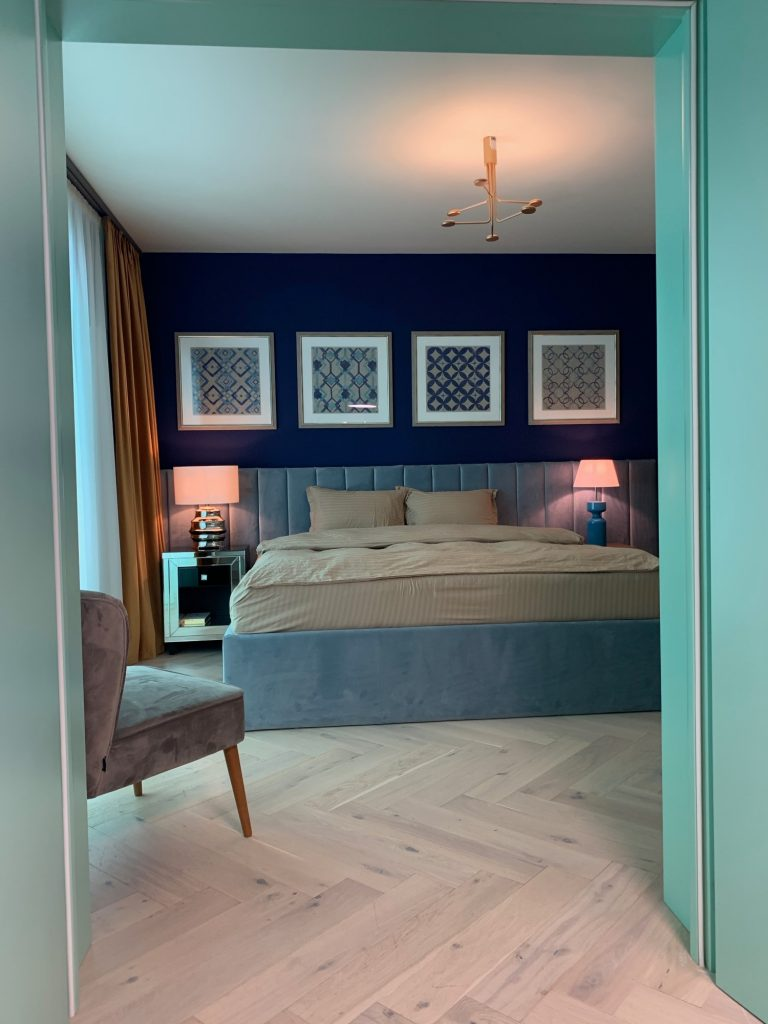 Dormitor matrimonial - penthouse Baia Mare_designer Raul Șerban Hangar 7586 (1)