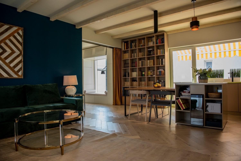 Living cu bucătărie open space - penthouse Baia Mare_designer Raul Șerban Hangar 7586 (11)