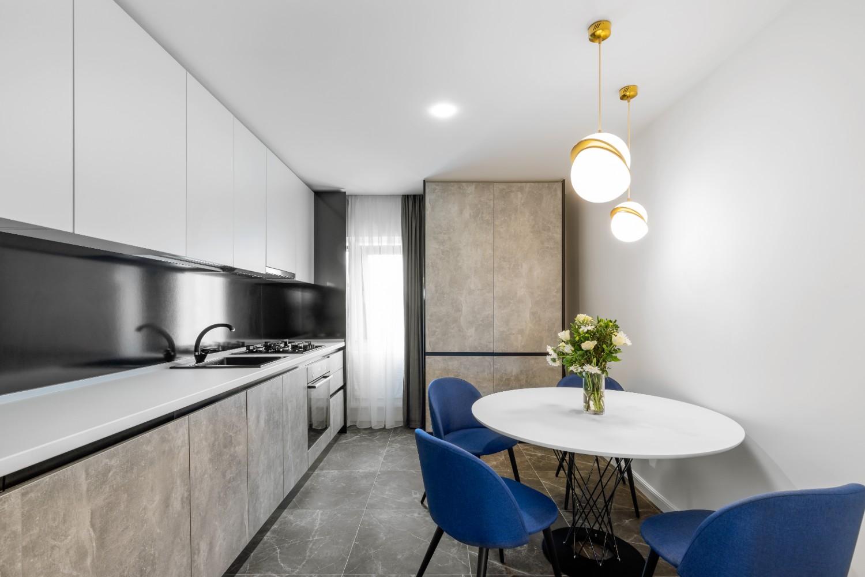 Bucatarie moderna apartament Constanta - Pure Mess Design