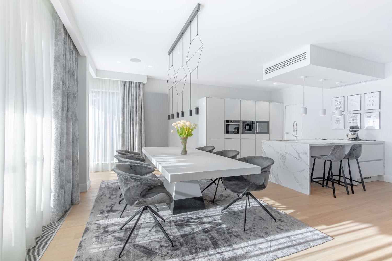amenajare apartament dining bucatarie deschisa