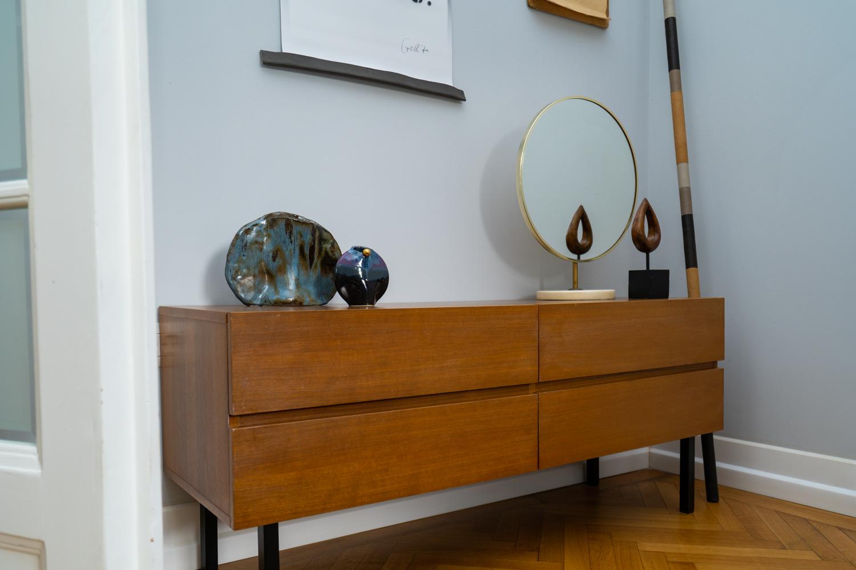 mobilă vintage comodă