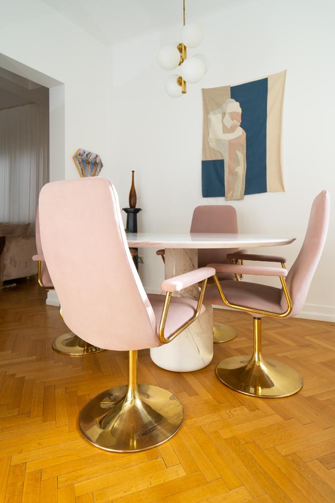 mobilă vintage scaune retapitate