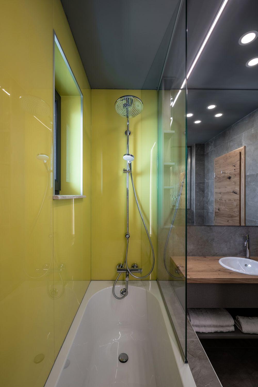 amenajare cu lemn baie