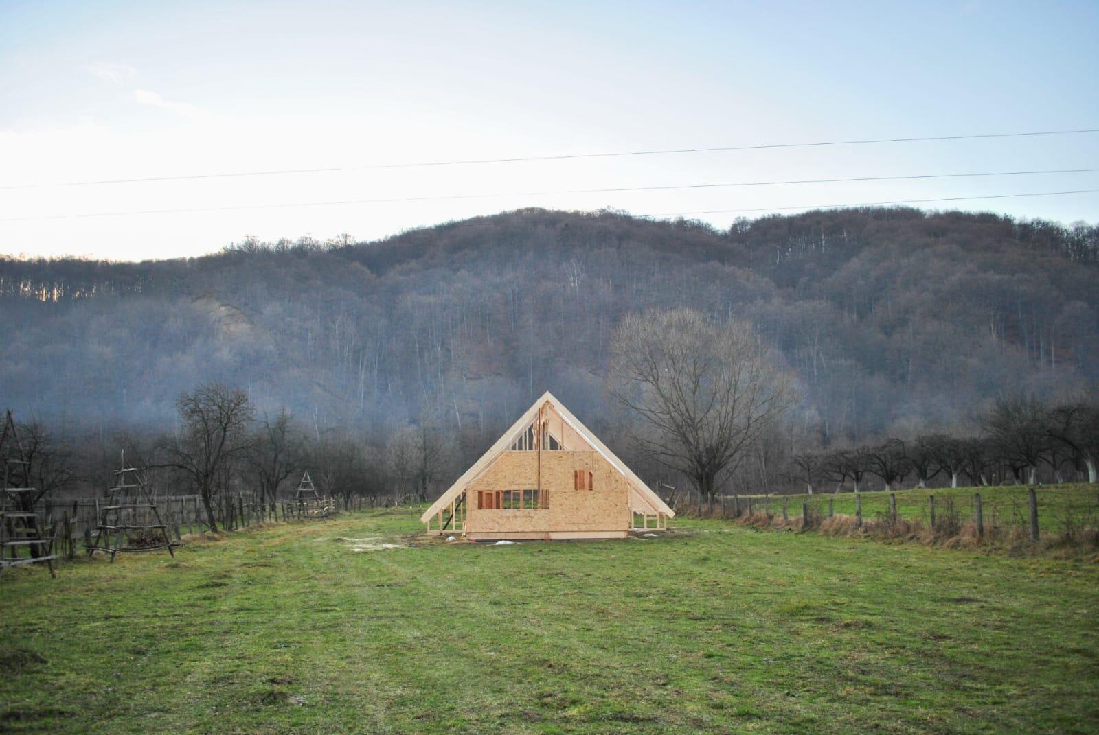 casa de lemn a Iuliei