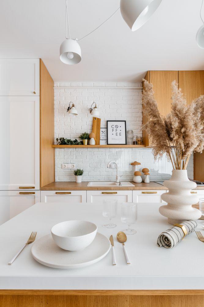 amenajare apartament - open space cu mult lemn